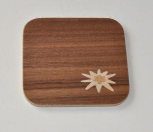 ročno izdelan lesen podstavek za kozarce