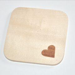 ročno izdelan podstavek za kozarce z motivom srca