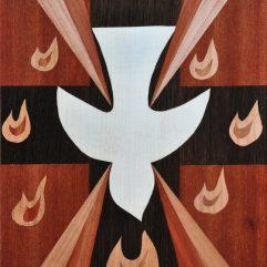 ročno izdelana lesena slika z motivom Svetega Duha