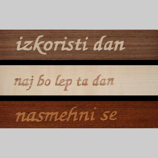 ročno izdelana lesena knjižna kazalka z lepo mislijo