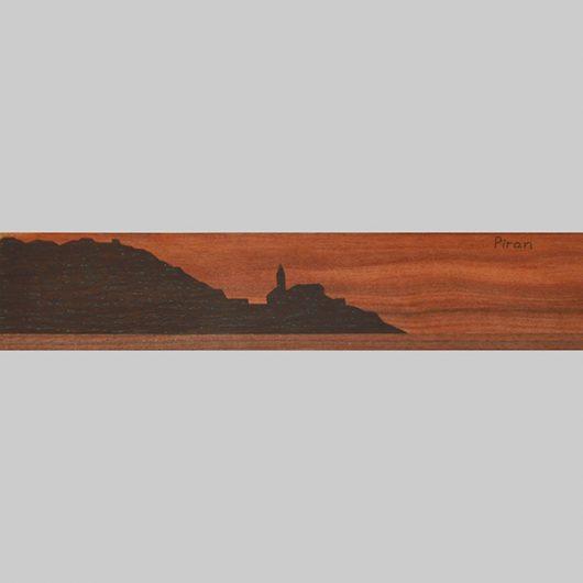 ročno izdelana lesena knjižna kazalka s panoramo Pirana